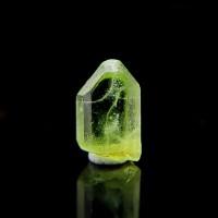圖示-橄欖石晶體(Peridot)