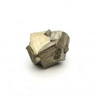 圖示-黃鐵礦(Pyrite)貫入雙晶