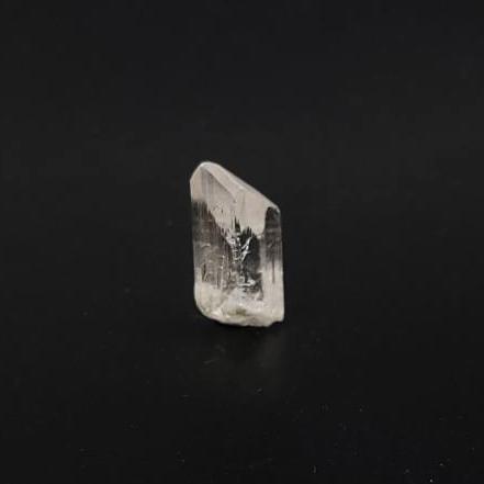 圖示-賽黃晶原石 (Danburite)
