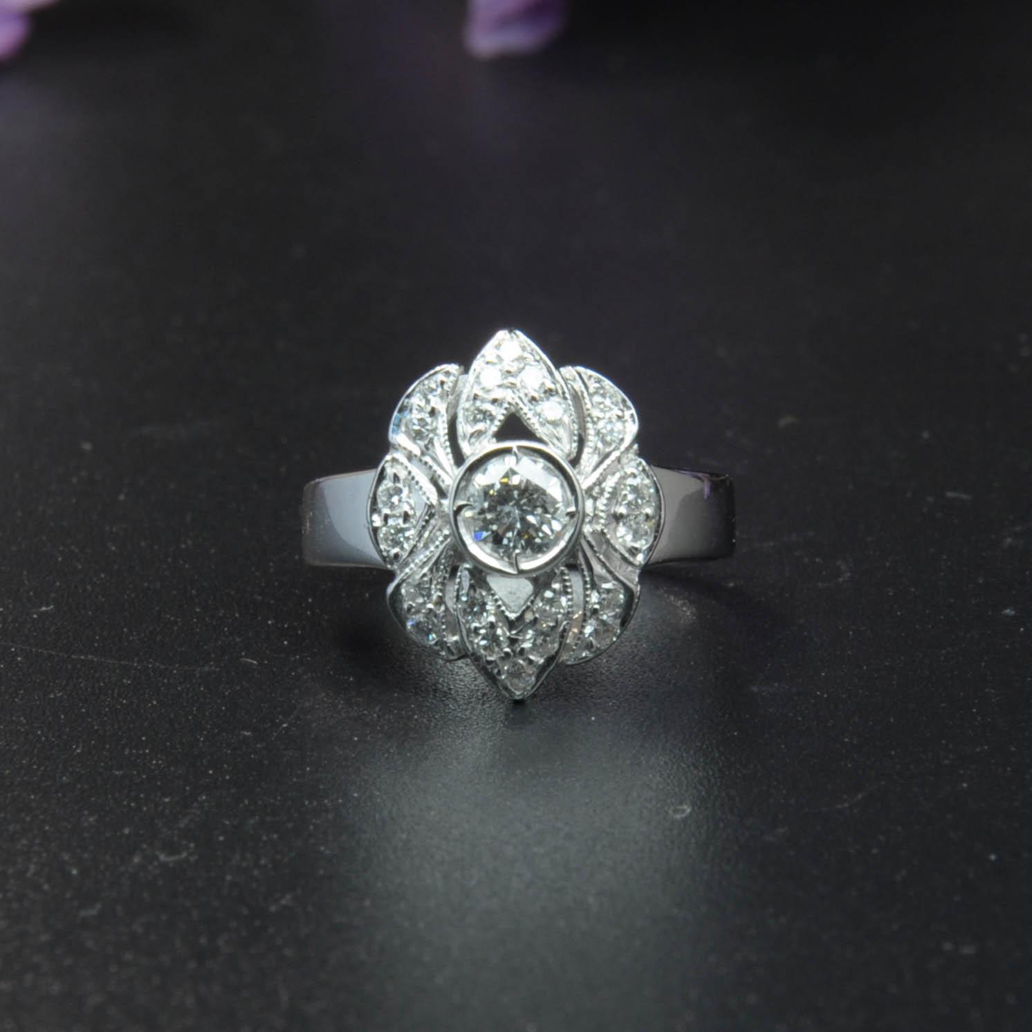 鑽石經典白K金戒指(Diamond Ring)