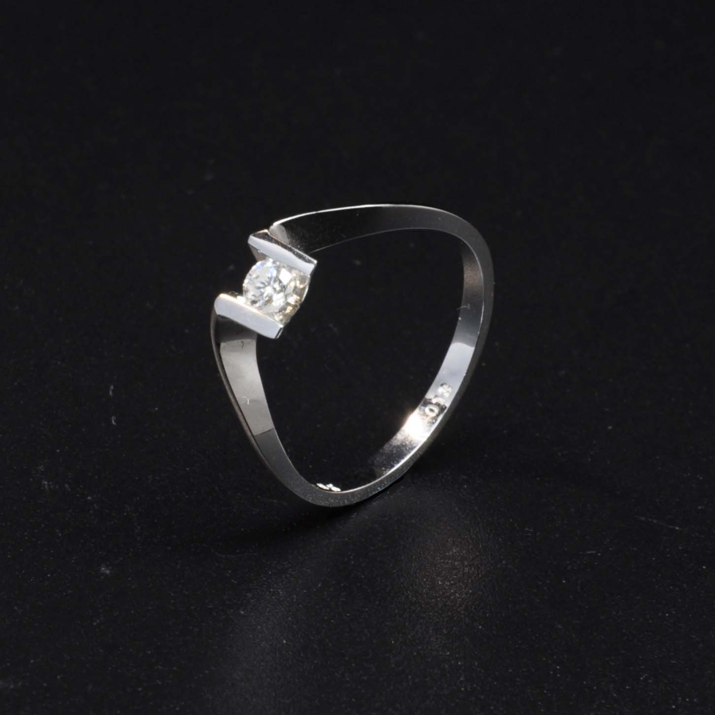 白K金鑽石戒指   DiaR09