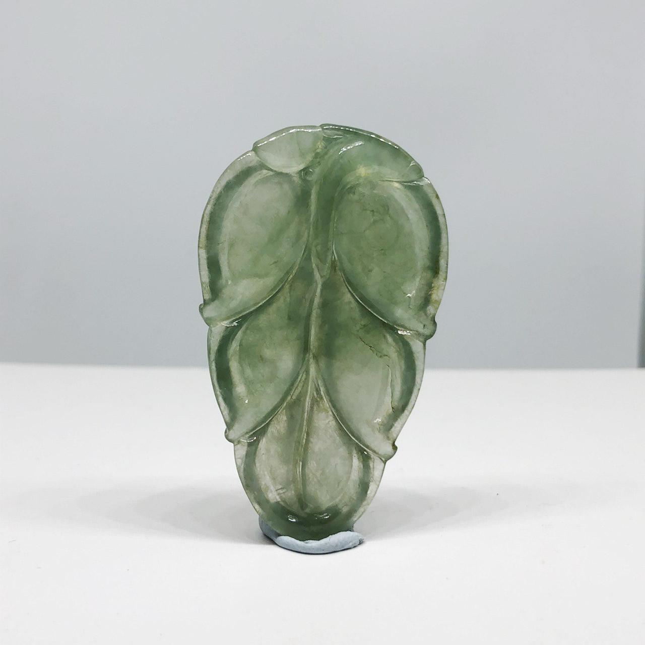 翡翠玻冰種/一夜致富吊墜(Jadeite Pendant)
