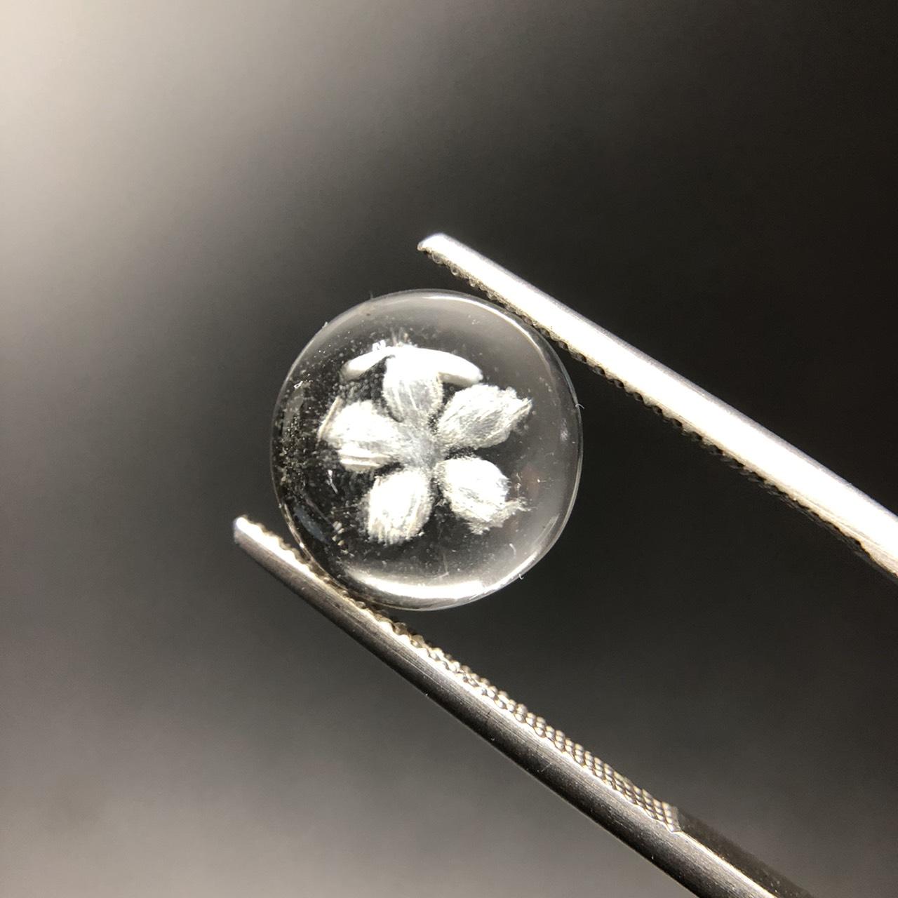 圖示-水晶雕花(Quartz)