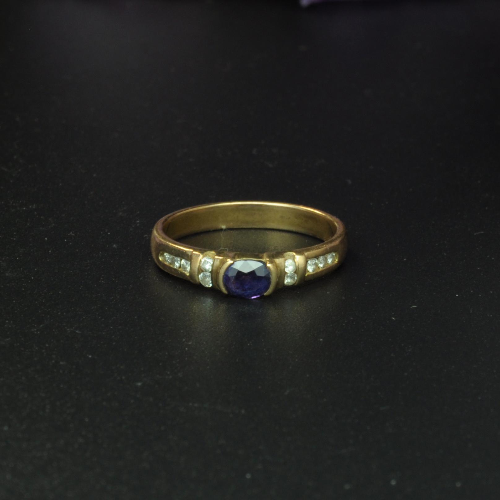 圖示-藍寶鑽石黃K金戒指(Sapphire Ring)